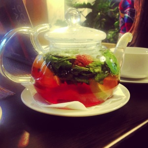"""Огородны чай,"" tea with mint, apple, cinnamon and strawberry."